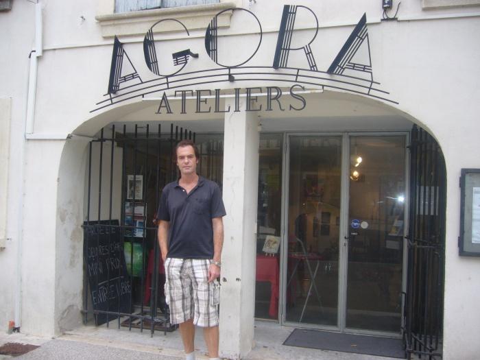 Ateliers Agora, exposition du portrait de charles Aznavour