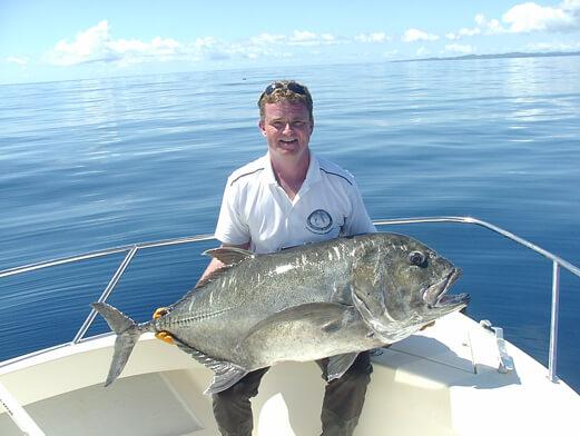 Pêche au popper, carangue ignobilis Madagascar